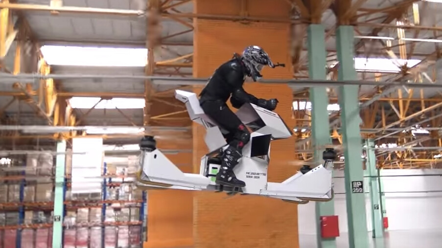 The world's first fully-manned hoverbike looks like a hell of a ride