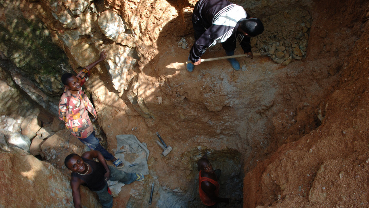 Apple's promise to stop mining for metals is great news for the developing world
