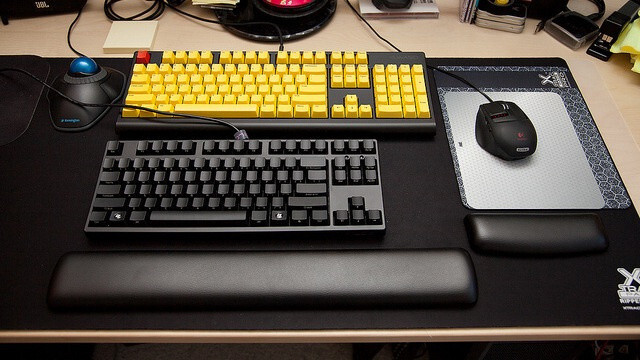 3 Reasons Why You might Want a Mechanical Keyboard