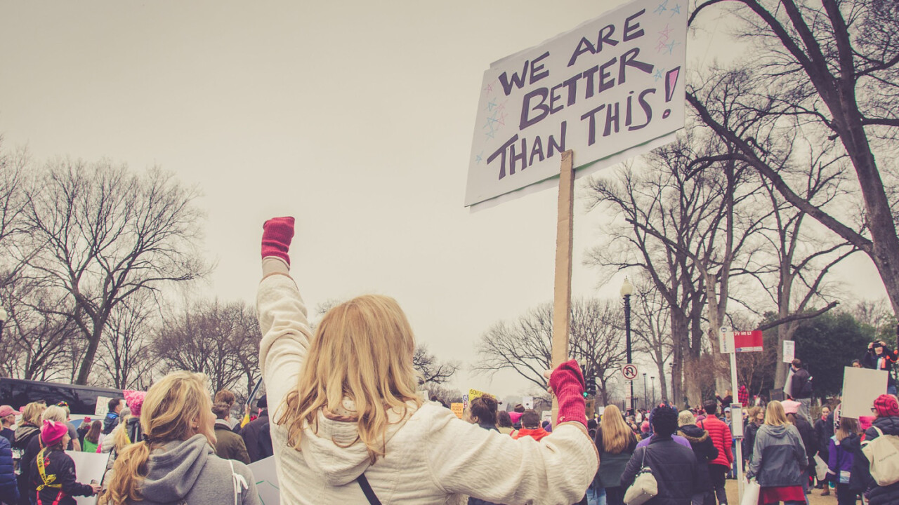 This AI can recognize protesters at rallies, even in disguise