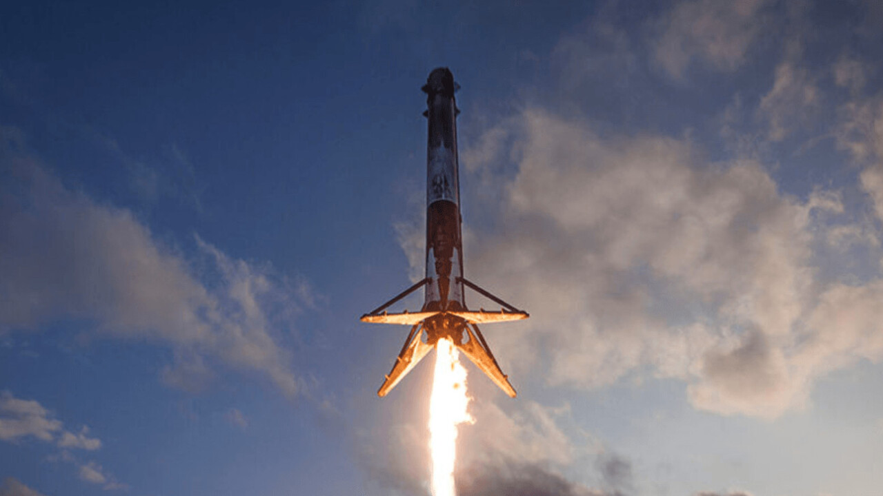 SpaceX's Interplanetary Spaceship and Rocket simulation is out of this world