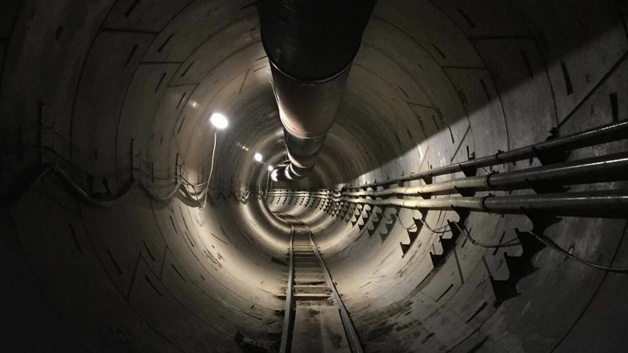 Elon Musk shows off a tunnel to zip your car across LA underground