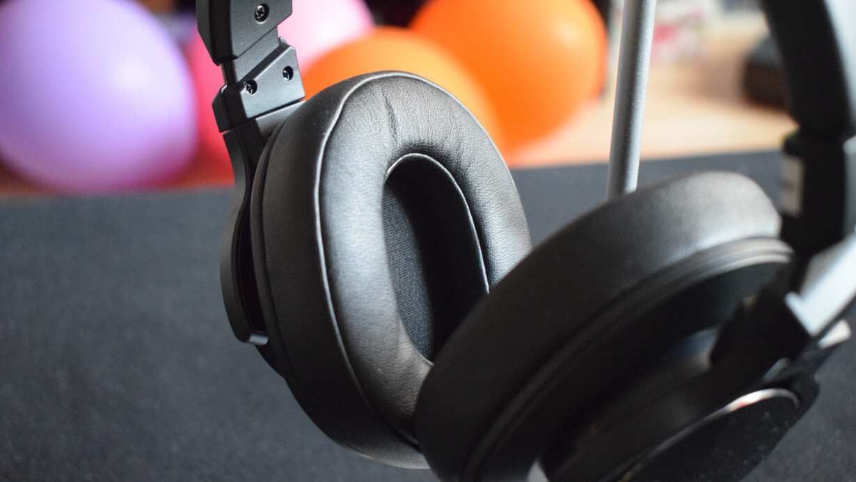 Review: The Mixcder E8 headphones offer noise-cancellation and a long battery life on a budget