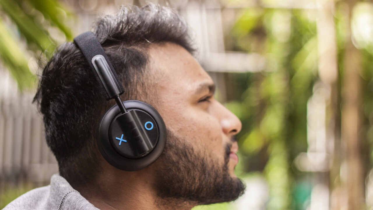 I found a great pair of noise-canceling headphones under $50 — your ears will thank me