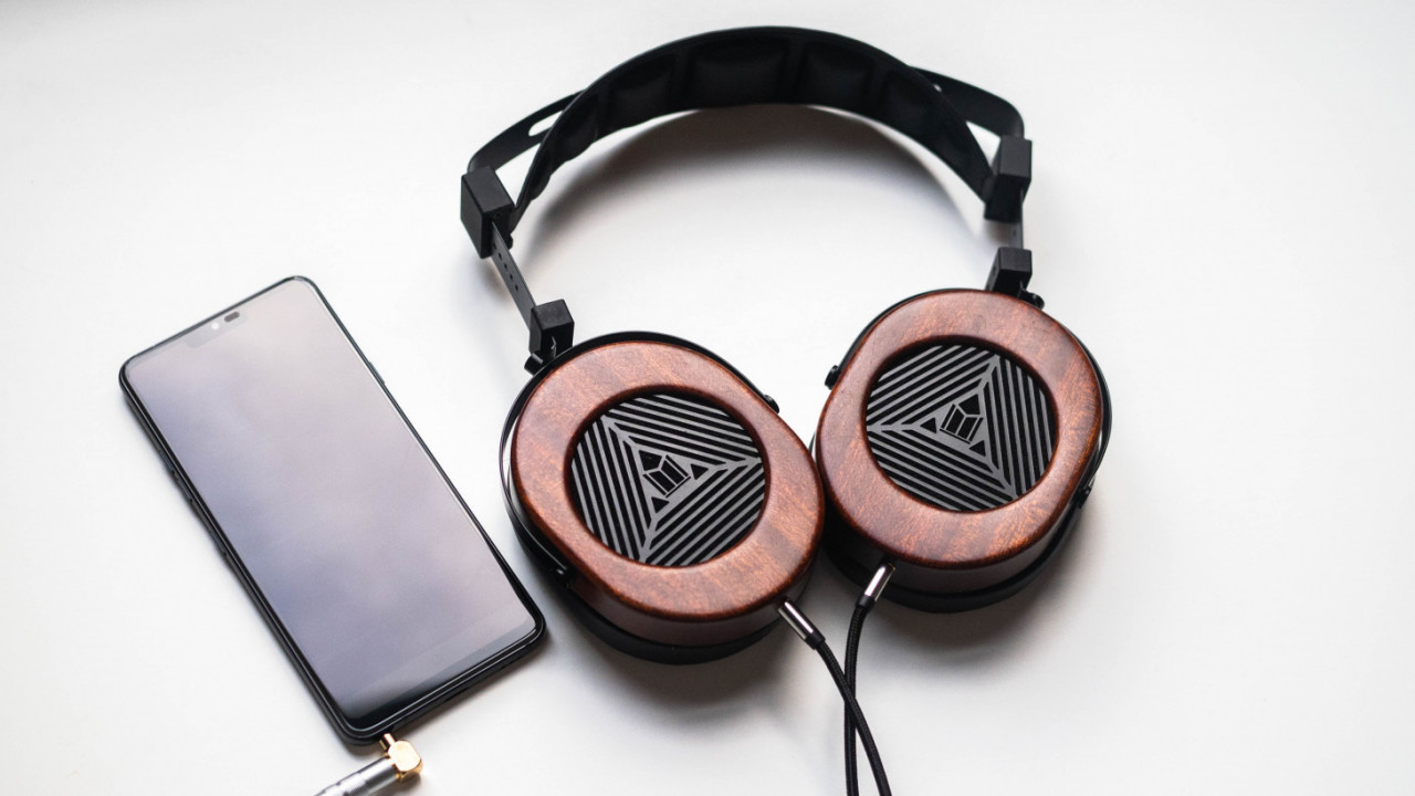 Review: Monoprice's M565 is a $200 gateway to planar magnetic headphones