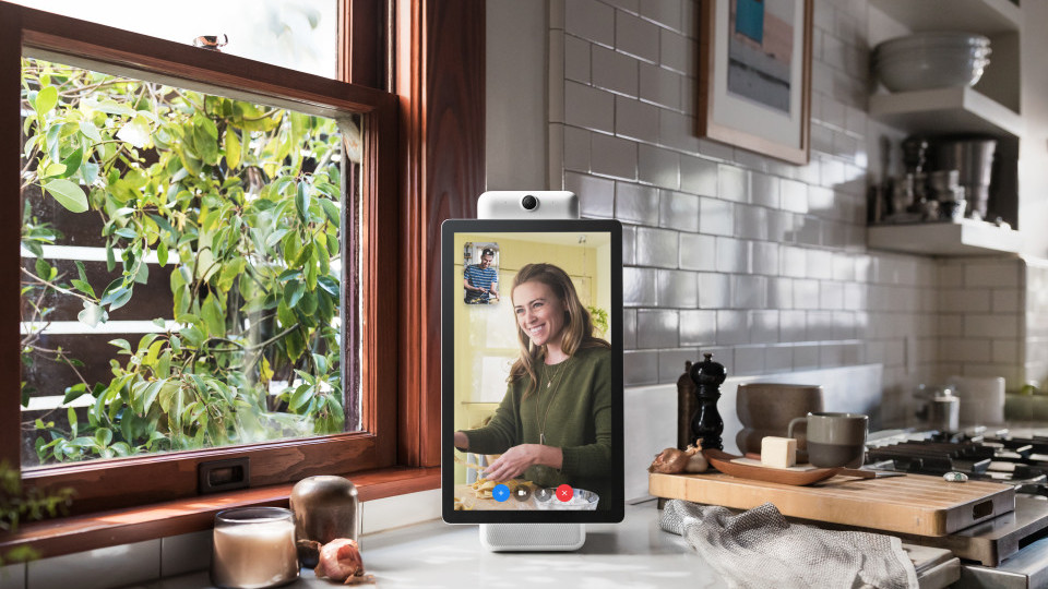 Facebook announces Portal, its new video chatting hardware