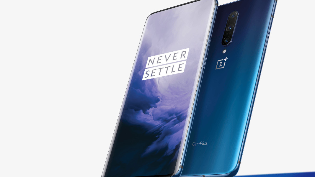 OnePlus 7 Pro is a notchless phone with three-cameras and amazing specs