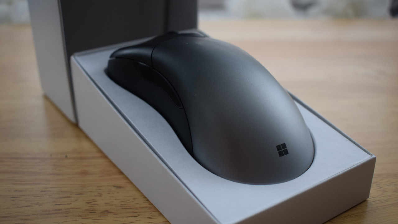 Review: The Microsoft Pro Intellimouse is a really, really lovely mouse