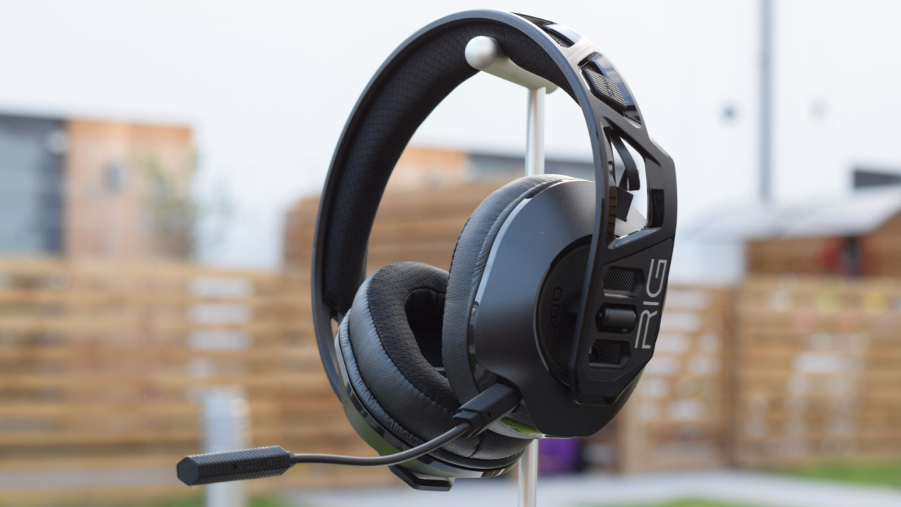 Review The Plantronics Rig 700hx Is A Gaming Headset I Wouldn T Be Embarrassed To Use At Work