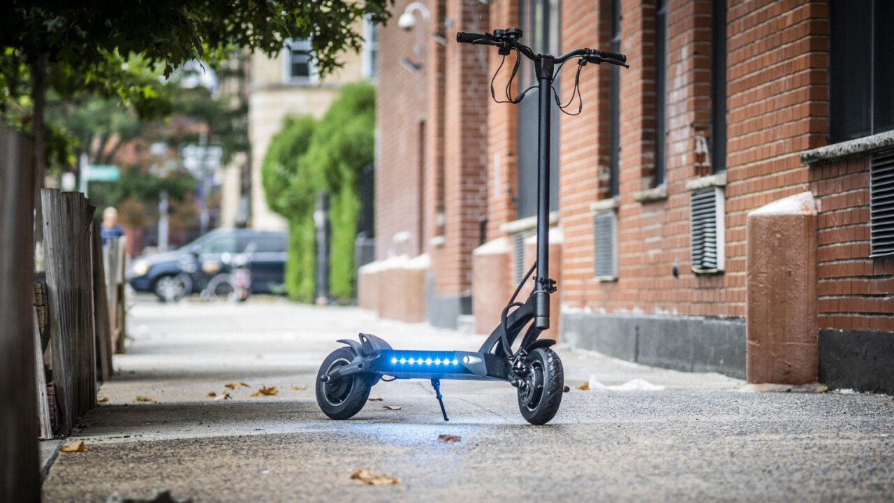 Review: FluidFreeRide's Mantis is a 40 mph e-scooter that feels as safe as a bike