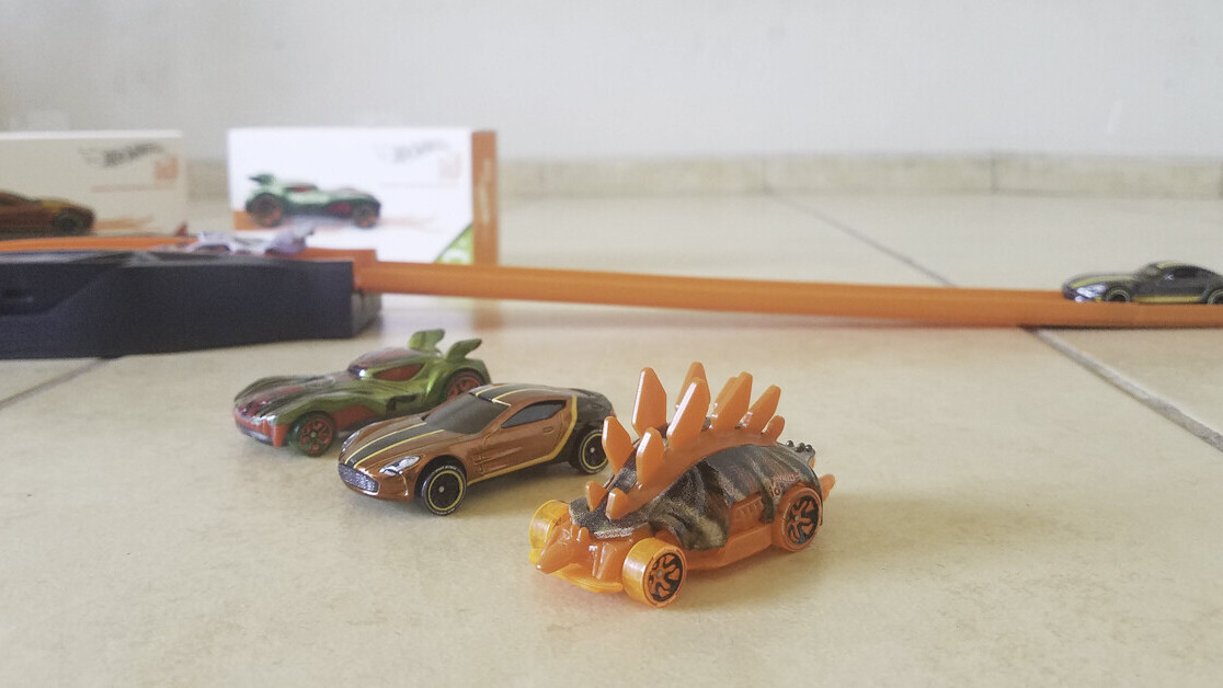 Review: Hot Wheels id makes the perfect STEM gift for kids with iPads