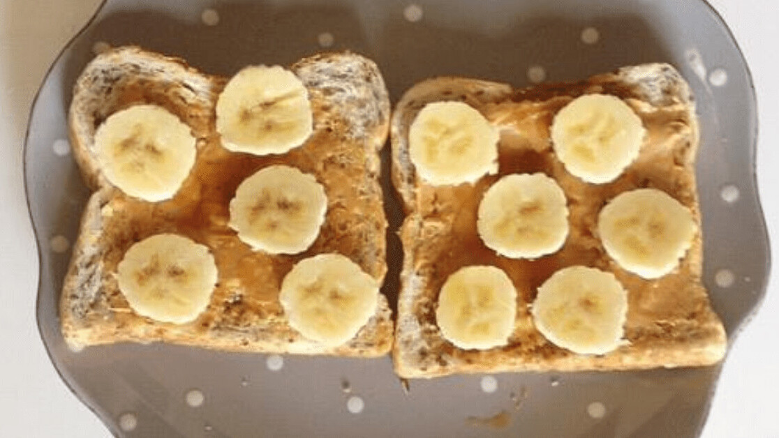 This AI makes peanut butter and banana sandwiches that are fit for the King