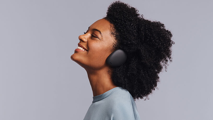 Get some of the year's best headphones and earbuds with one last Christmas discount