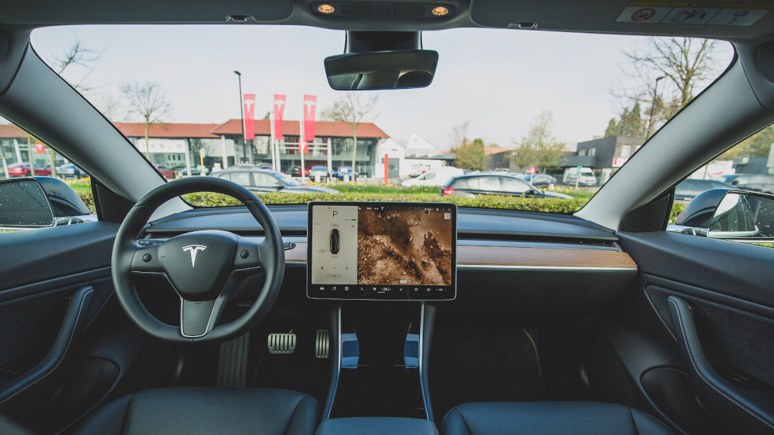 The latest Tesla crash is another tragic reminder that cars can't drive themselves