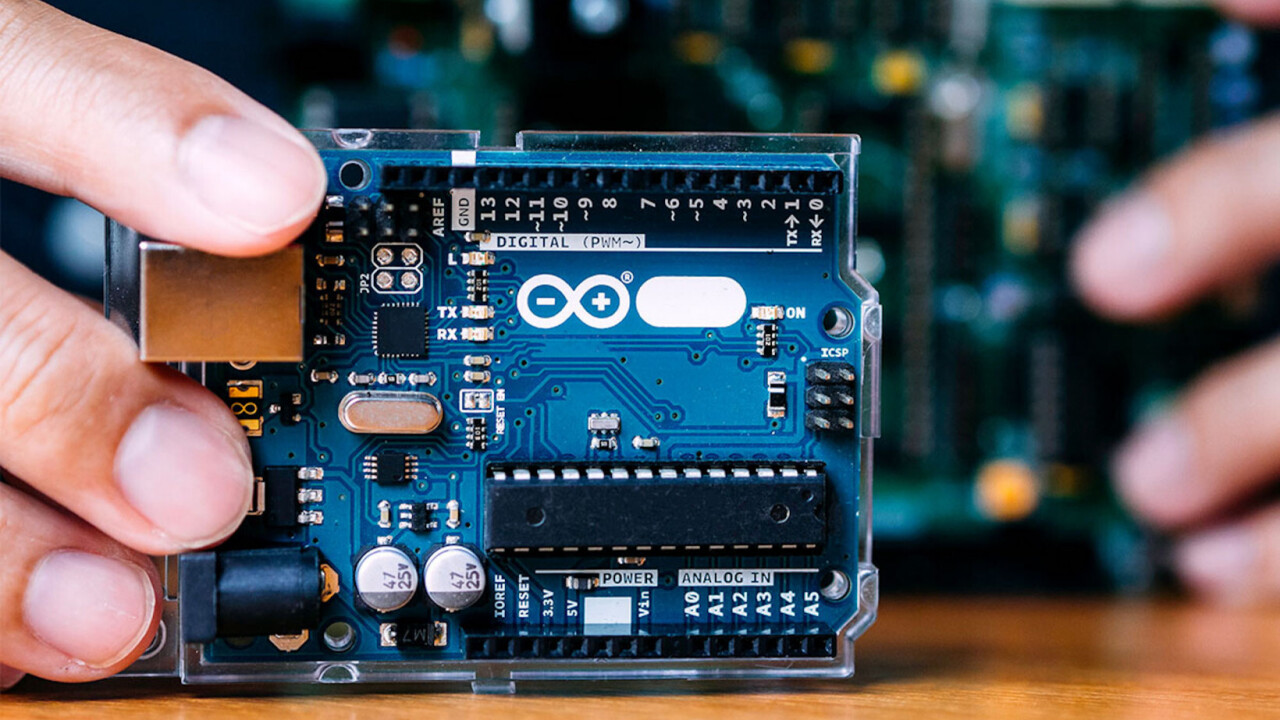 This Arduino and ESP32 training will have you building a galaxy of IoT devices for under $25