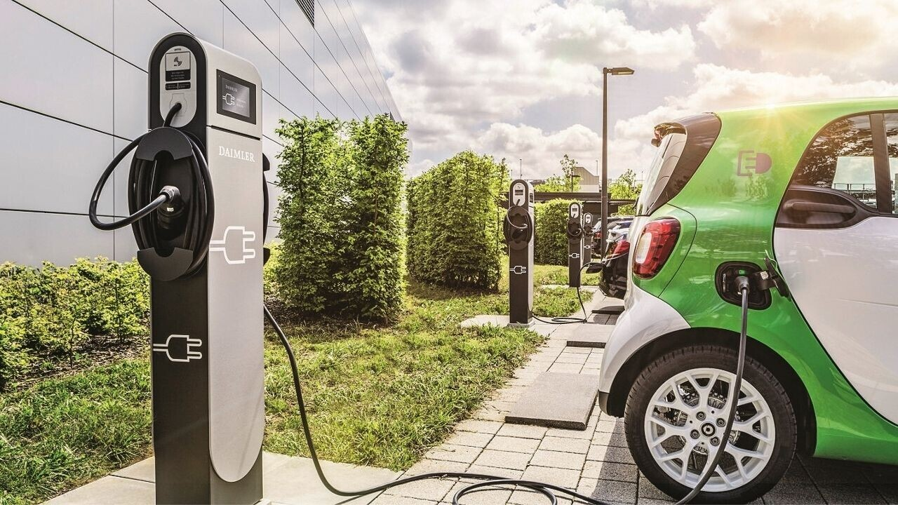 What the internet can teach us about EV adoption
