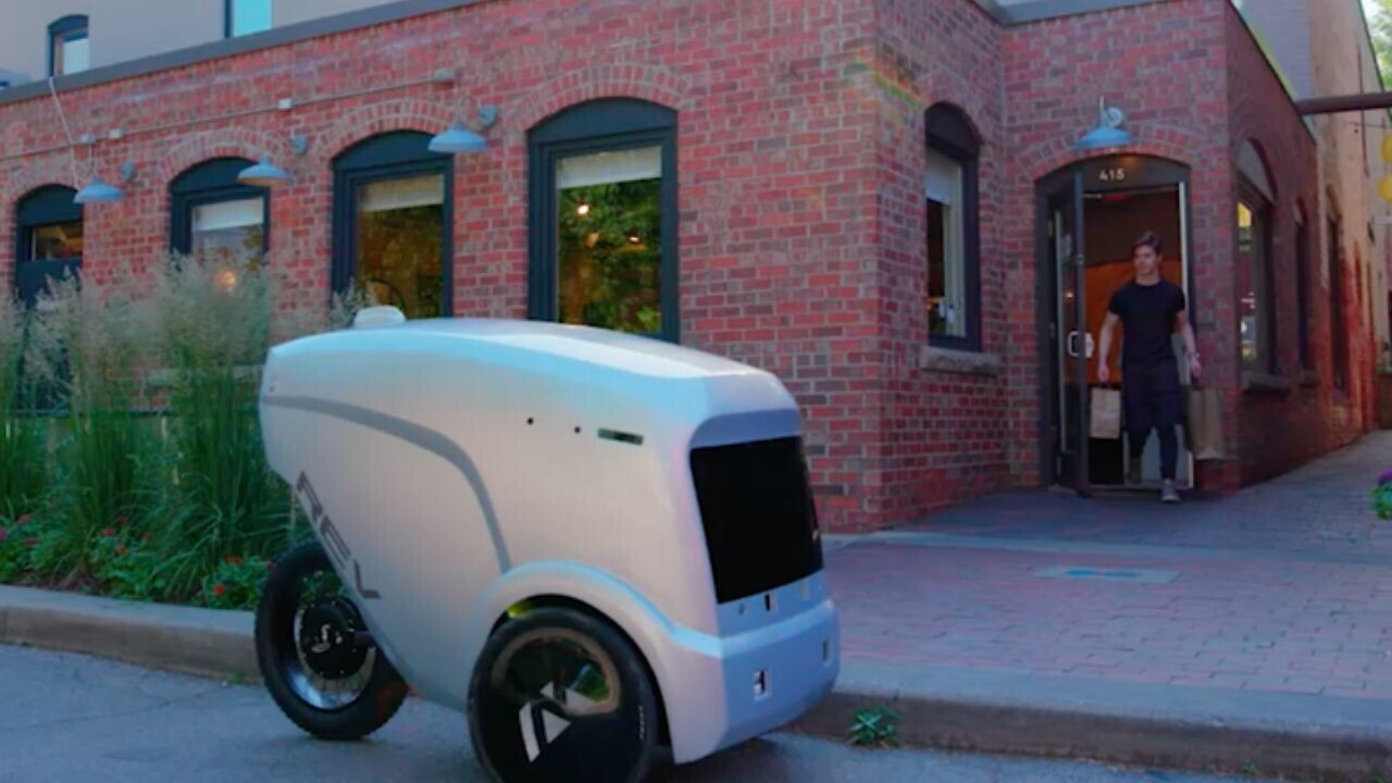 These cute robots are now delivering pizza across Austin, Texas