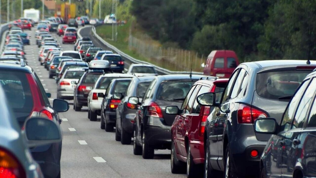 Employees hate their commute, not the office