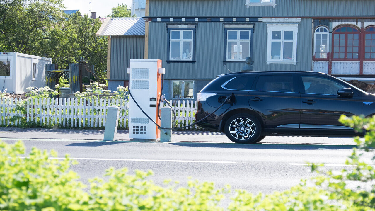 Can the UK lead the world in smart EV charging?