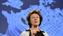 Neelie Kroes calls on EU Parliament to help kill mobile roaming costs, guarantee net neutrality