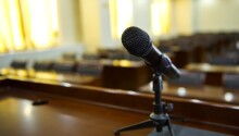 How to cure stage fright: The science behind public speaking Featured Image