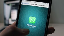 How to stop WhatsApp from downloading photos automatically