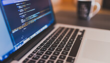 12 challenges businesses face when using open-source software Featured Image