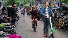 E-scooters are just as safe as cycling, but that's not saying much