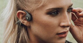 These bone conduction headphones balance top quality audio and safety brilliantly