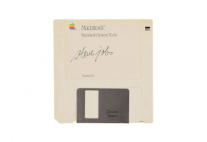 Floppy disk signed by Steve Jobs is up for auction and valued at $7,500