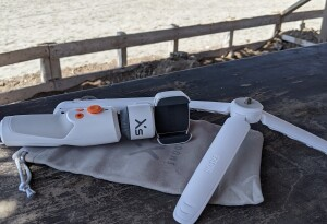 Review: The Smooth XS smartphone gimbal is a great selfie stick with a crummy app