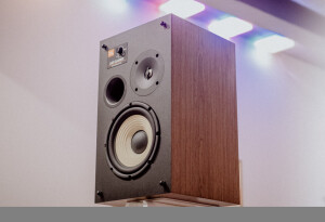 JBL L82 Classic review: This retro speaker offers modern acoustics