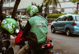 How 'last-mile' services and shared mobility can streamline the delivery business