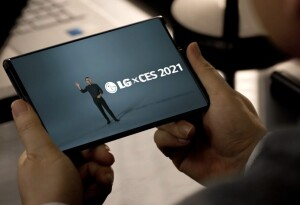 Move over foldables, LG and TCL show off rollable phones at CES