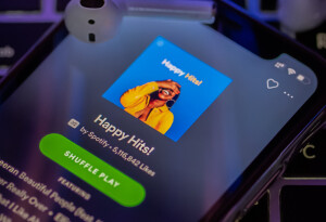 Listen up: Streaming popular music playlists hurts smaller artists' revenue
