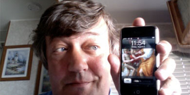 Hold The Phones, Stephen Fry Has Love For Android Too