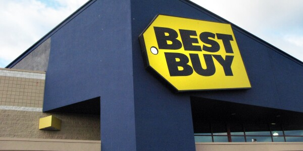 Best Buy employees gift Wii U to teen that played store's demo console every day