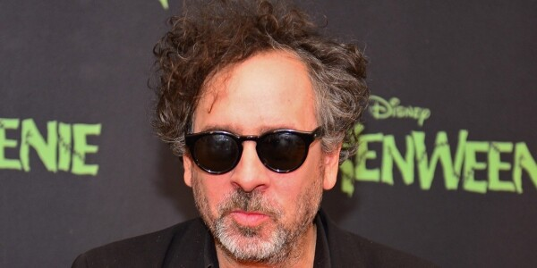 Film director Tim Burton makes a cameo in Samsung's Oscars commercial