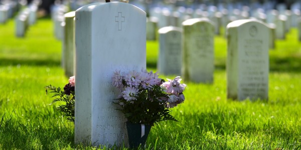 How to delete and protect the digital identities of the deceased