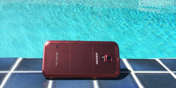 Hands-on with Sprint's Samsung Galaxy S5 Sport: Can a smartphone make you healthier?