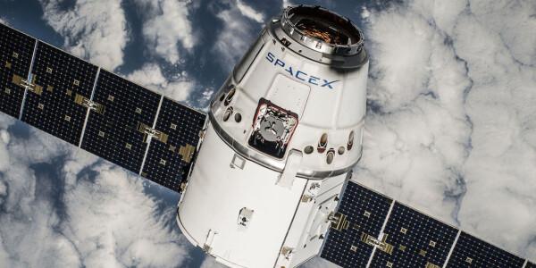 The billionaire's race to colonize space: Blue Origin versus SpaceX
