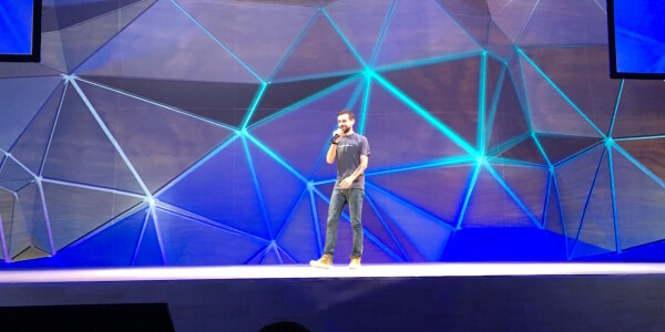 Twitter makes amends, says developers are 'essential' to its future