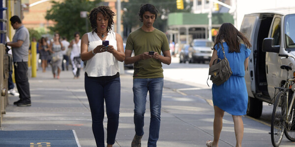 US cities are cracking down on your favorite pastime: Texting and walking cluelessly
