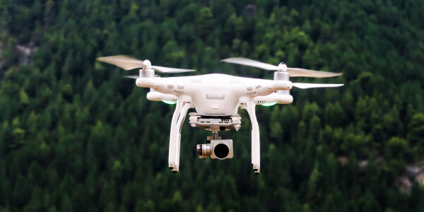 Arsehole ruins Christmas after flying drone over Gatwick Airport's runway