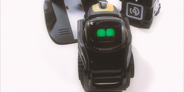 Review: Anki's Vector is an always-on robot companion for the whole family