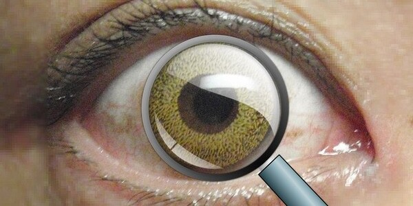 Scientist have made a contact lens that lets you zoom in by blinking