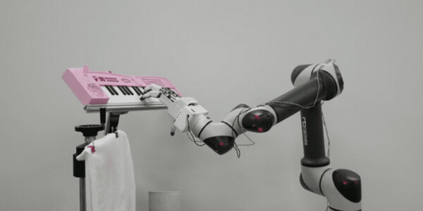 'World's strongest' robotic hand can cut paper, hold eggs — and even play the piano