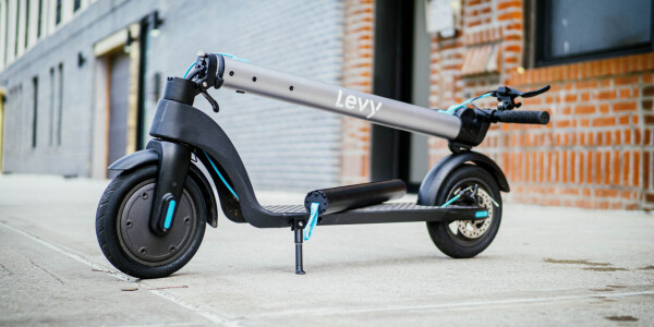 Review: The Levy electric scooter packs swappable batteries and thoughtful design for $499