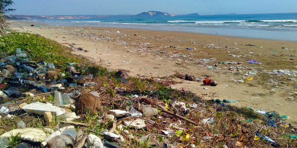 You can only see 1% of all microplastics dumped into the ocean