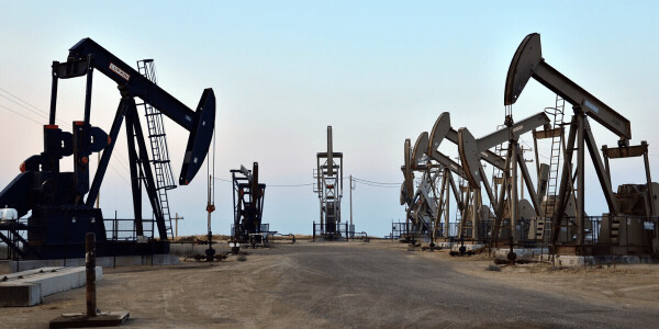 Google pledges not to build more custom AI for fossil fuel extraction